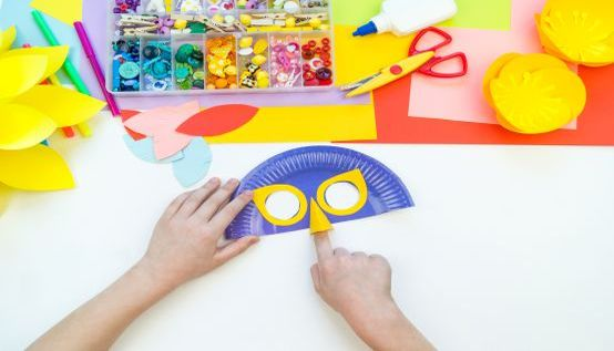 Faschingsmasken aus Papptellern basteln