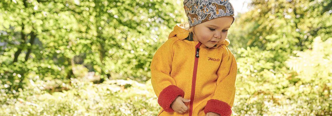 Babys im Frühling richtig anziehen: Tipps & Tricks