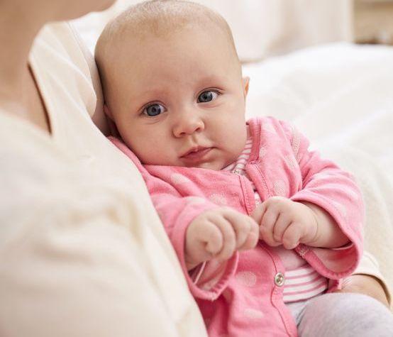 Babys im Frühling richtig anziehen: Zwiebellook