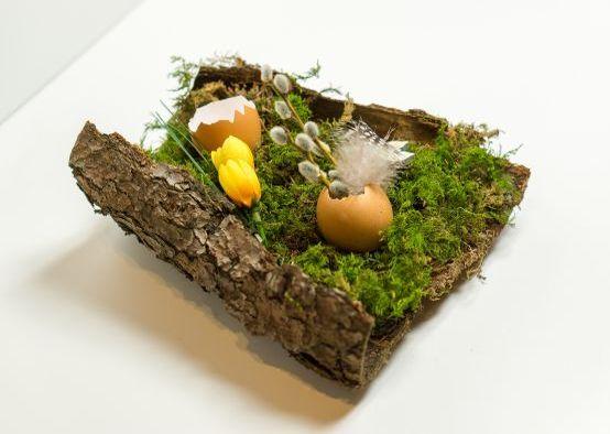 Osterdeko basteln mit Kindern: Osternest aus Naturmaterialien