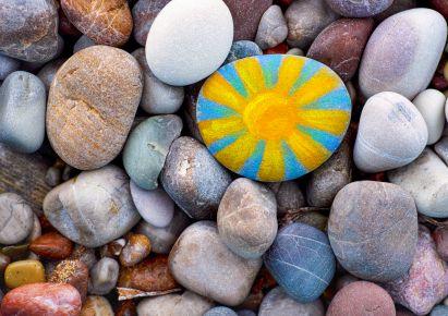 Gartenspiele: Boccia mit Steinen