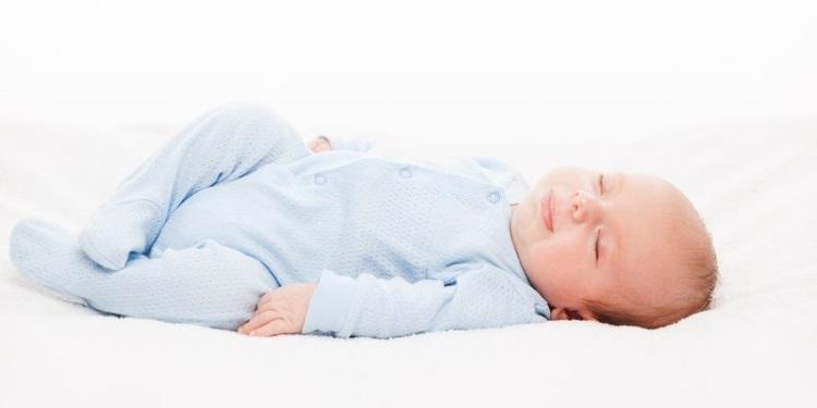 Babyentwicklung_Monat_1.jpg
