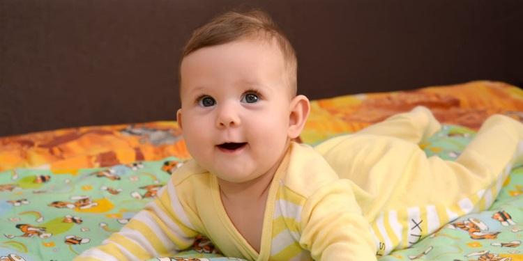 Babyentwicklung_Monat_4.jpg