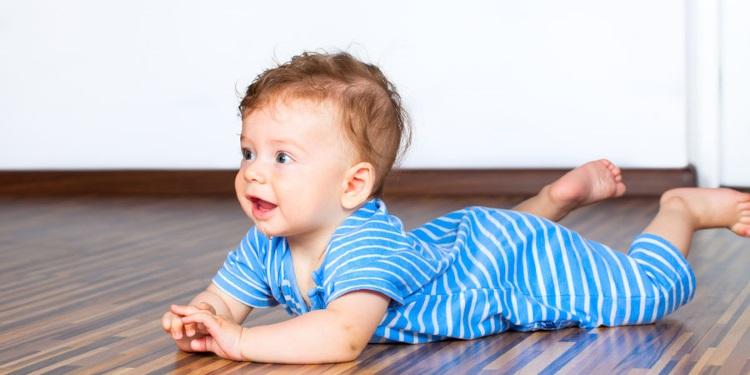 Babyentwicklung_Monat_7.jpg