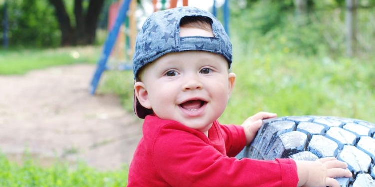 Babyentwicklung_Monat_9.jpg