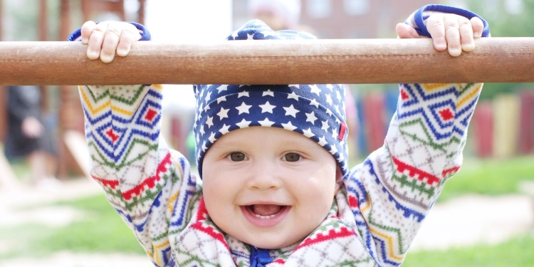 Babyentwicklung_Monat_10.jpg