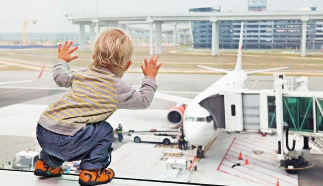 Reisen_Baby_Kleinkind_ART_Fliegen_mit_Baby_Kleinkind__I_123_650.jpg