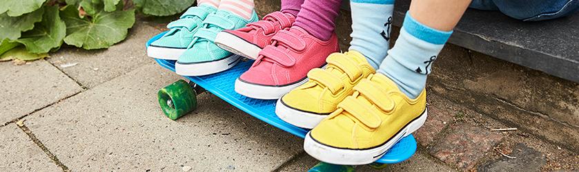 themen-kw04-halbschuhe-und-sneaker.jpg