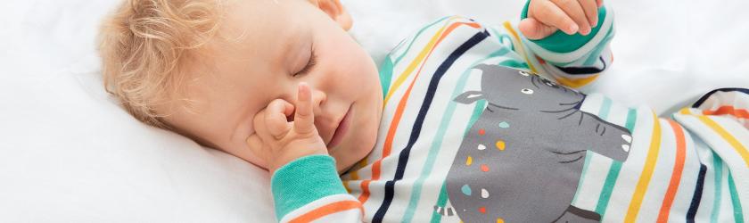 baby-schlafanzug.jpg