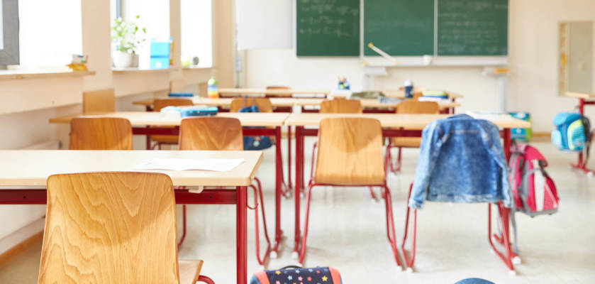 einschulung-klassenzimmer-in-der-grundschule.jpg